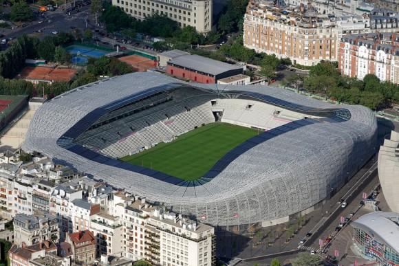 Paris 16 : Le nouveau stade Jean Bouin (Rudy Ricciotti architecte 2013 ) *** Local Caption *** Paris 16 : The stadium Jean Bouin (designed by Rudy Ricciotti architect 2013 )